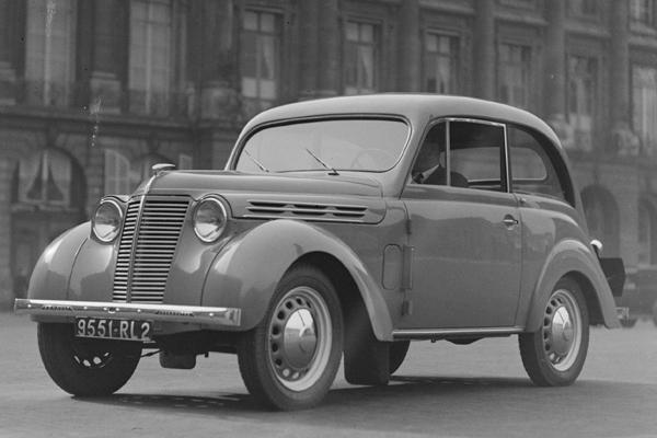 juvaquatre-1938-zoom